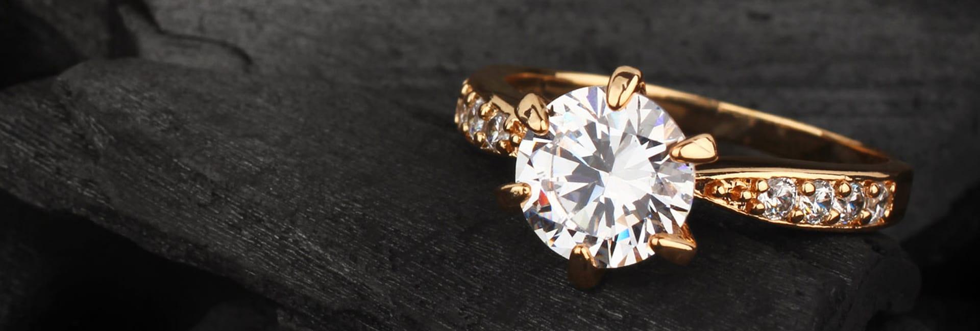 4f9fc13c1 Plánujete zásnuby? Poradíme vám, ako vybrať prsteň a miesto, kde by ...